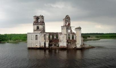 Затоплене місто на Волзі