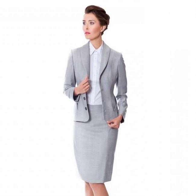Класичні костюми жіночі