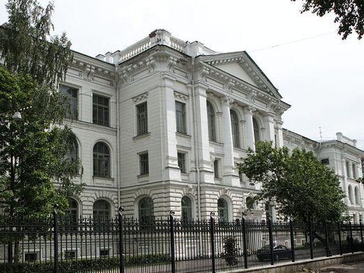 Куди поступити в Санкт-Петербурзі?
