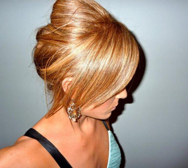 Каліфорнійське мелірування на світле волосся