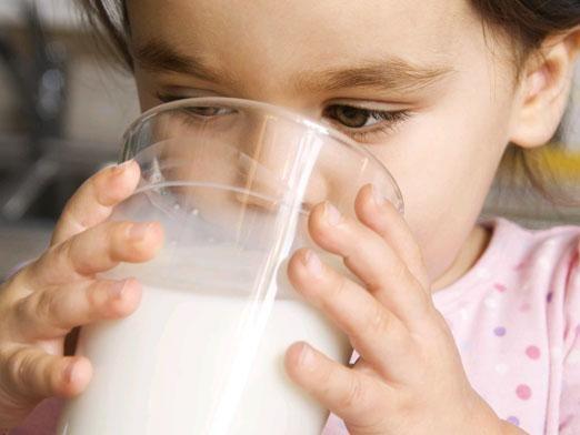 Можно ли козье молоко детям?