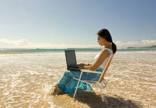 Можно ли работать в отпуске?