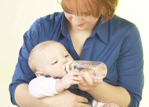 Нужна ли новорожденному вода?