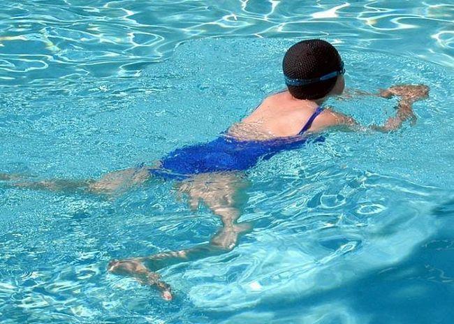 плавання брасом