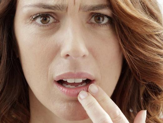 Почему чешутся губы?
