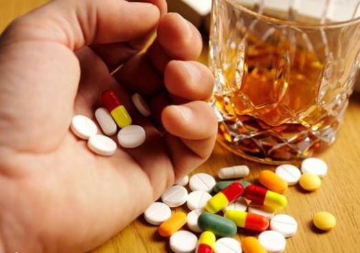 Почему нельзя пить антибиотики?