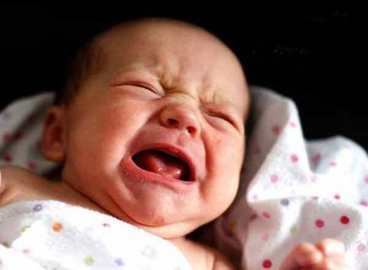 Почему плачут новорожденные?