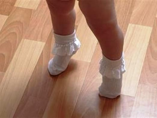 Почему ребенок ходит на носочках?