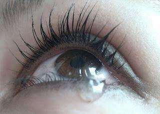 очі сверблять і сльозяться