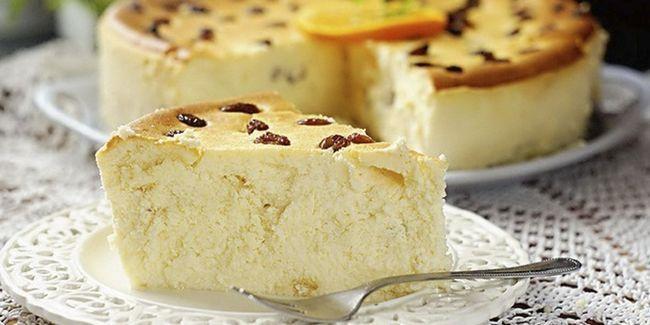 Фото запіканки із сиру з родзинками