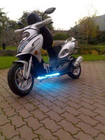 Зовнішній тюнінг скутера