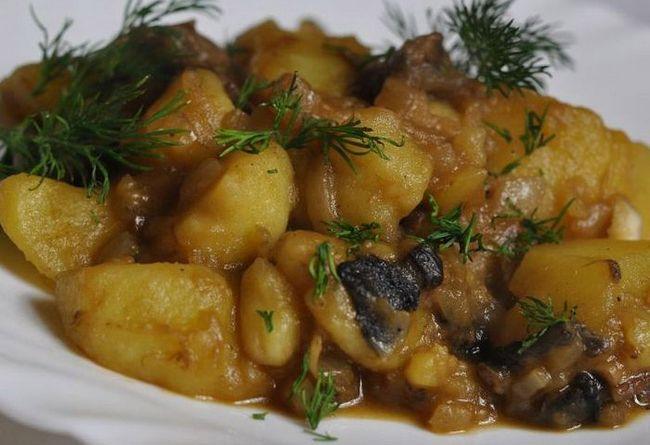 Фото рецепт страви з коренеплодів, свинини і грибів