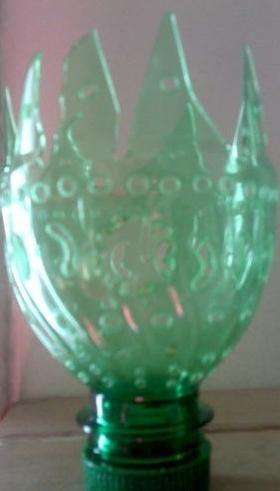 Украшаем квартиру: ваза из пластиковой бутылки своими руками