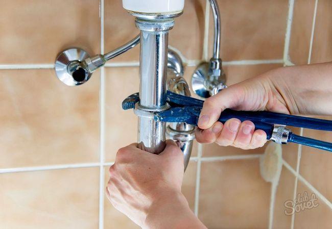 Запах канализации в доме, как устранить
