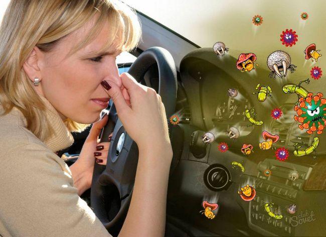 Усуваємо-затхлий-запах-з-автомобіля