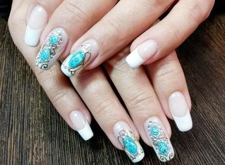 малюнки на нігтях рідкі камені